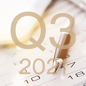 Calendar and pen image with Q3 2021 written over it